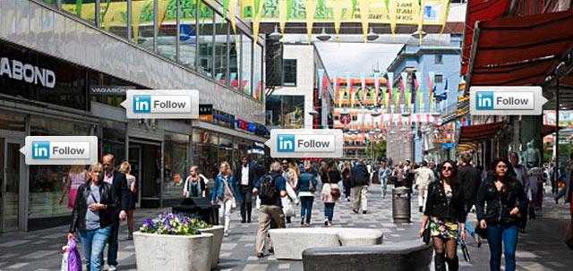 """Linkedin propose sont bouton """"follow"""" (suivre) aux entreprises"""